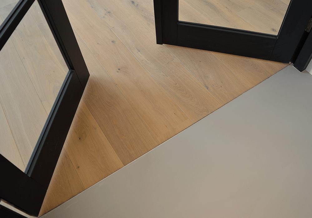 Gietvloer en houten vloer