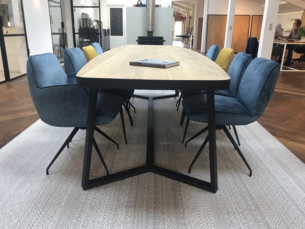 Industriele Sloophout Tafel.Tafels Op Maat Stel Jouw Ideale Eettafel Samen De Houtfabriek