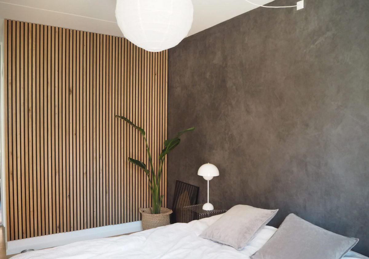 Houten wandpanelen slaapkamer